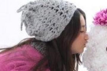 כובע מחמם צוואר בשעה במסרגה אחת